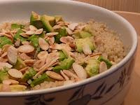 Quinua com Abacate e Amêndoas (vegana)