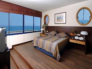 Disaster to Luxury : Titanic Beach Lara