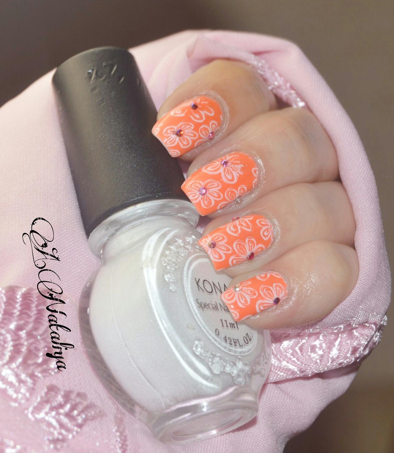 Персиковый цвет ногтей фото