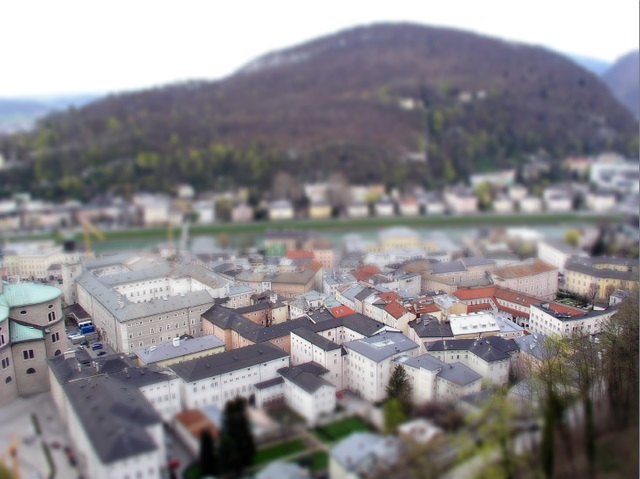 how to get the tilt shift effect
