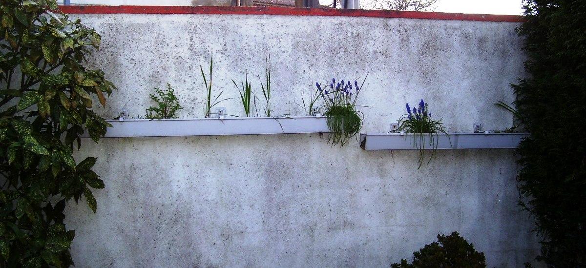 funciona muy bien con plantas pequeas hay que tener cuidado con la humedad de la tierra y el riego sobre todo si estn al sol