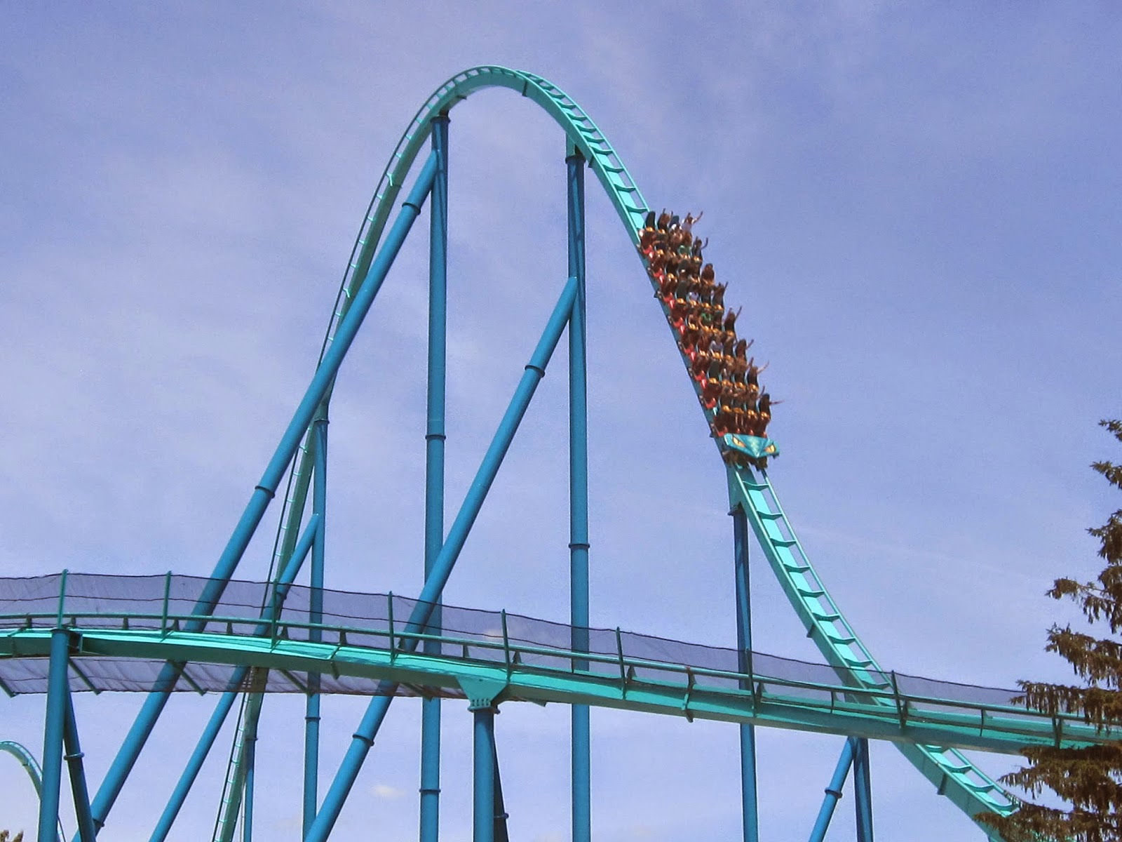 Bobbie's Roller Coaster And Theme Park Reviews: LEVIATHAN