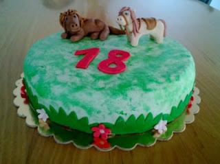 torta con cavalli