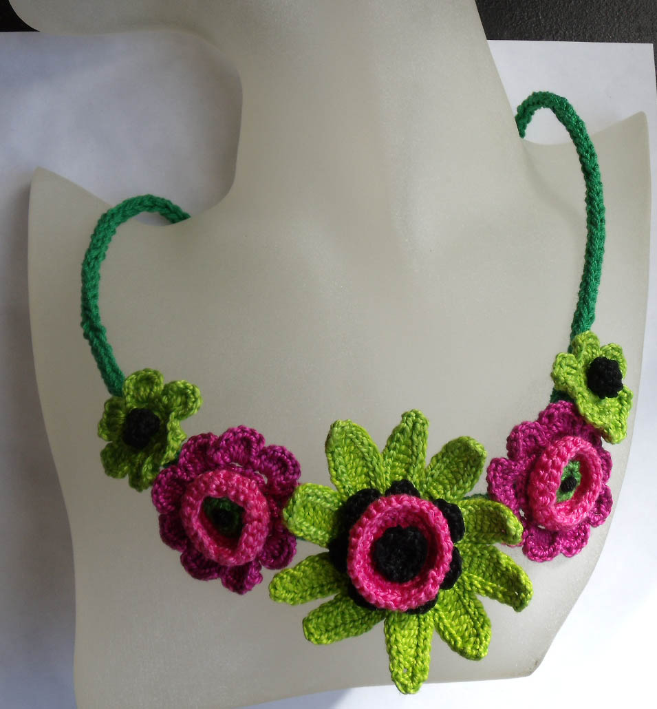 How to crochet: How to crochet flowers By Fibreromance