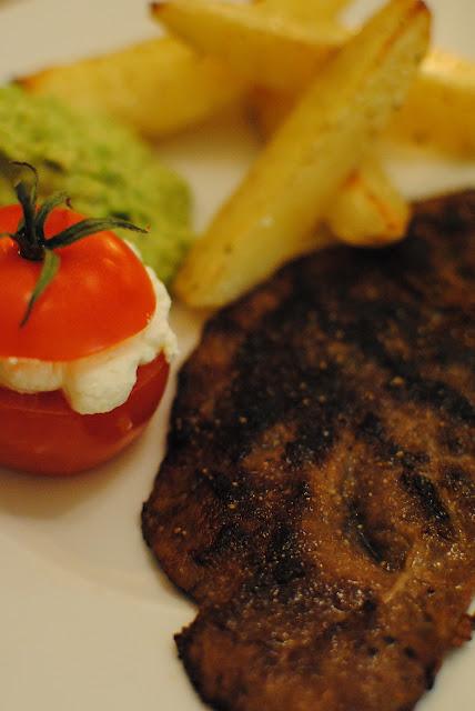 recept, tomat, färskost, lövbiff, hummus, tillbehör till grillat, ärtor, ärthummus, nyttigt, diet, gå ner i vikt