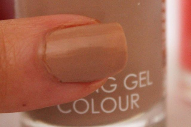 Collection lasting gel colour nail polish