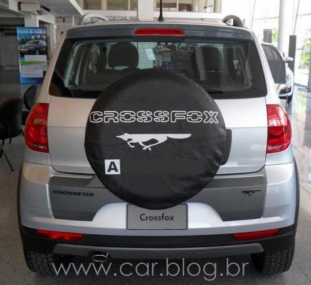 VW CrossFox 2012 - estepe na porta- traseira