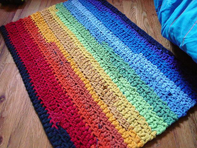 rainbow crochet rug