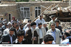 خامنه ای با خنده و هزار احشام و محافظ بعد از یک هفته یاد مناطق زلزله زده افتاد