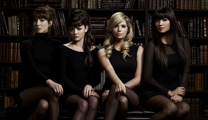 Pretty Little Liars - Shay, Ashley, Troian, Lucy and Tyler on the Christmas Special [VIDEO]