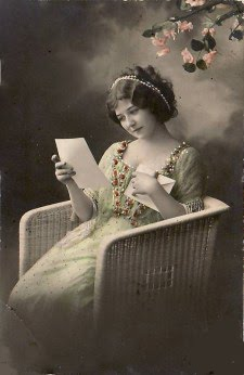http://4.bp.blogspot.com/-fs4V4BGlVUY/TqJpf16I-YI/AAAAAAAAEgE/Z0nka3DC7ck/s1600/woman-read2.jpg