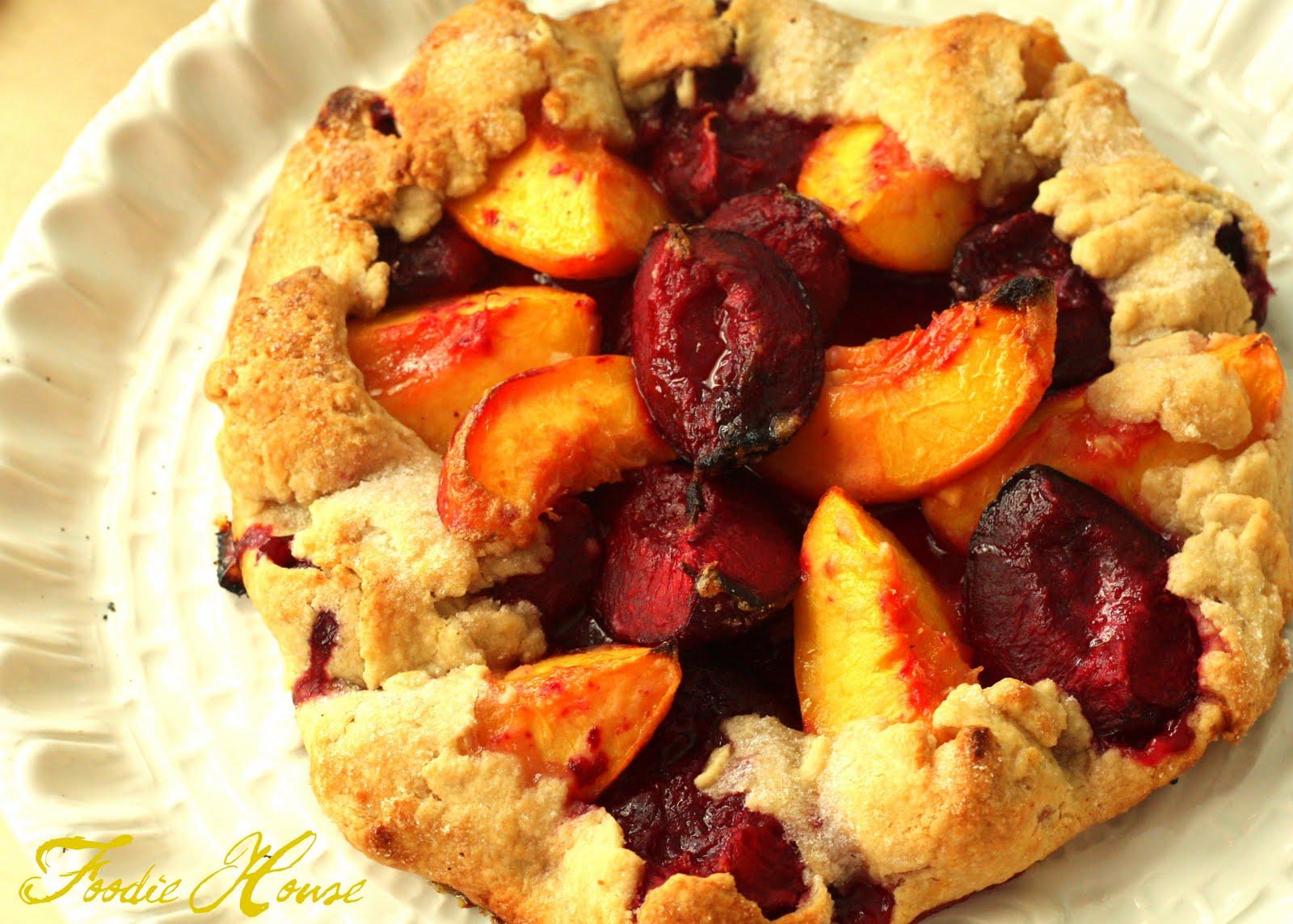 Foodie House: So Easy A Cavegirl Could Do It: Plum Peach Crostata