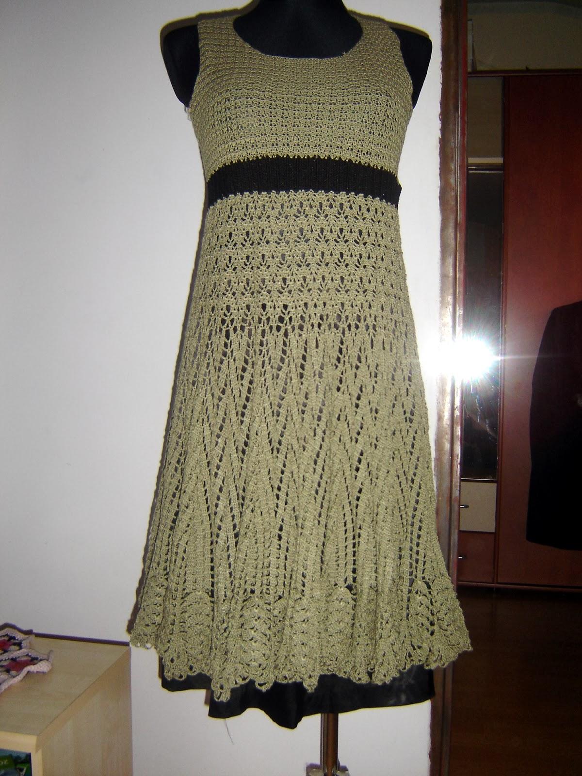 sukienka robiona szydełkiem