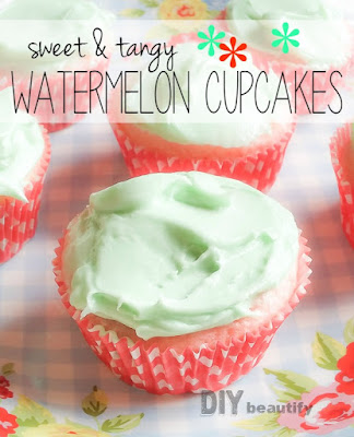 It's not summer without watermelon, and these fabulous Watermelon Cupcakes make a tangy sweet treat any time! Find the recipe at DIY beautify