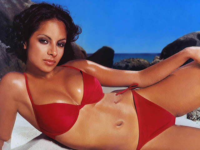 Collien Fernandes sexy in red swimsuit