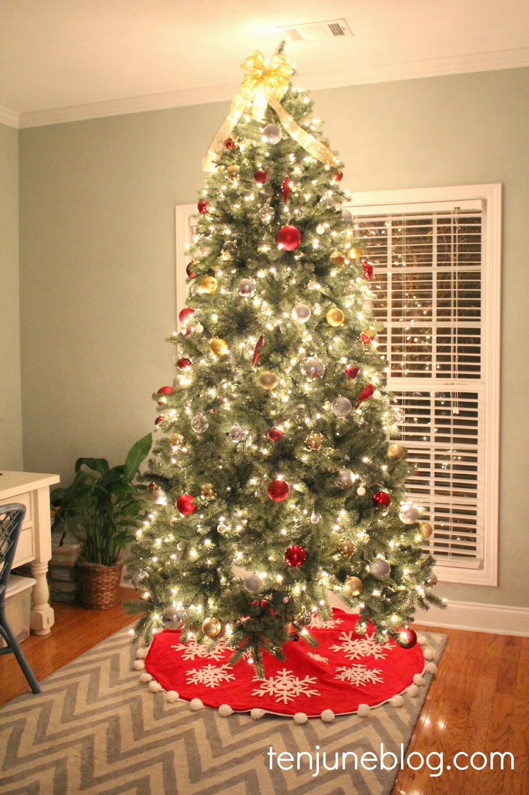 Red and gold christmas tree decorating ideas - Red And Gold Christmas Tree Decorating Ideas 23