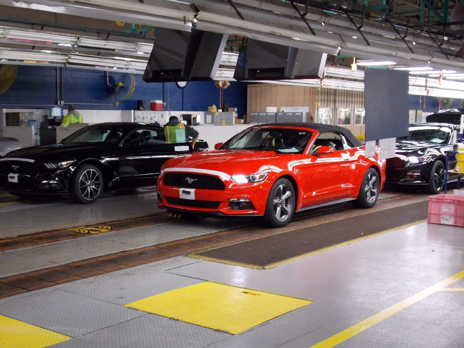 2015 Ford Mustang Convertibles Available at Dealerships Soon