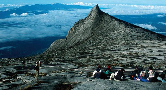 Hasil gambar untuk Gunung Kinabalu