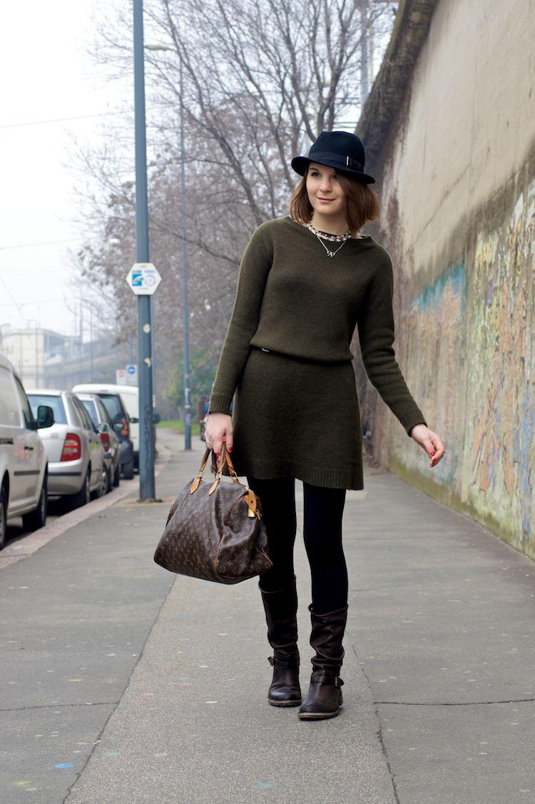 militar green louis vuitton bag outfit