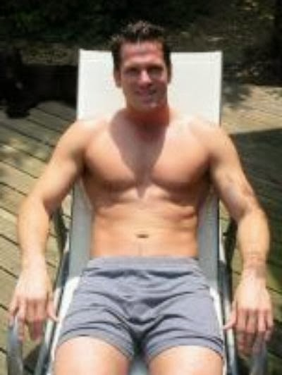 You Thomas roberts nude pics
