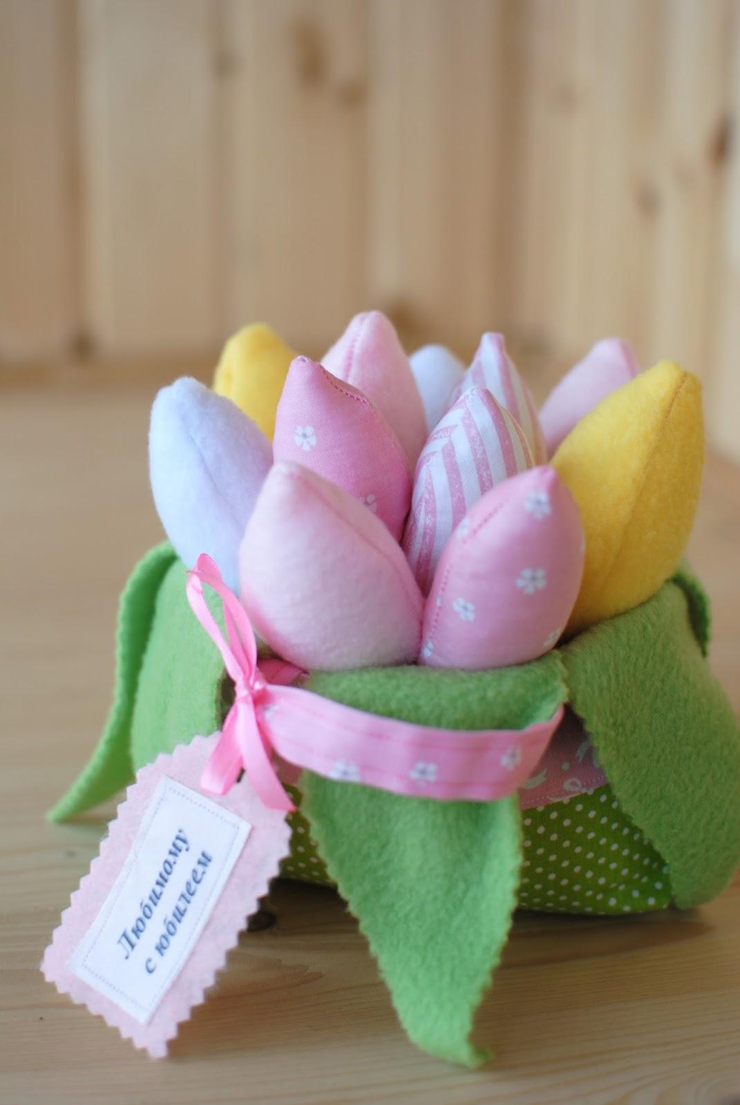 корзинка с тюльпанами