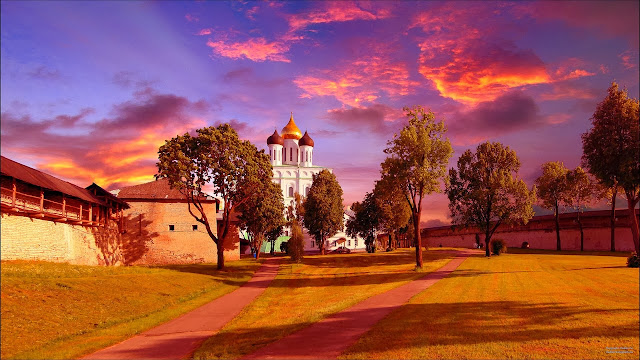Photos of Russia: Sunset in Pskov.
