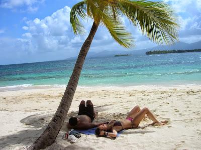 Cerrado por vacaciones. playa caribe. round the world, La vuelta al mundo de Asun y Ricardo, mundoporlibre.com