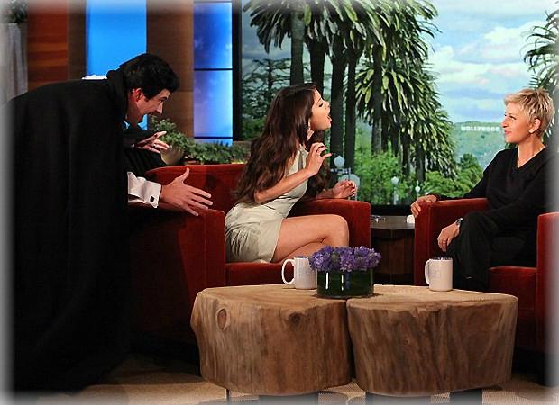 Selena Gómez fue asustada en el programa de Ellen
