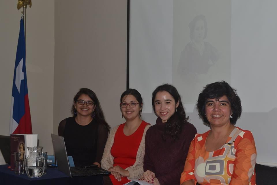 """Coloquio """"Escritoras chilenas: historia, literatura y cultura"""""""