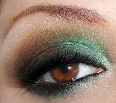 sombras verdes olhos