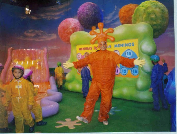 TITITI TATATA AJUDANTE DE PALCO TV GLOBO 2004