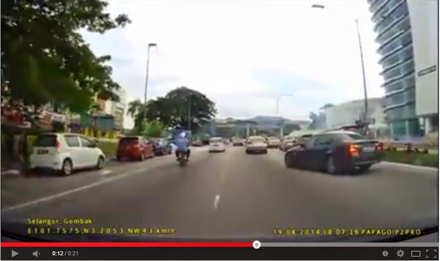VIDEO Kereta BMW Pecut Lepas Langgar Proton Exora