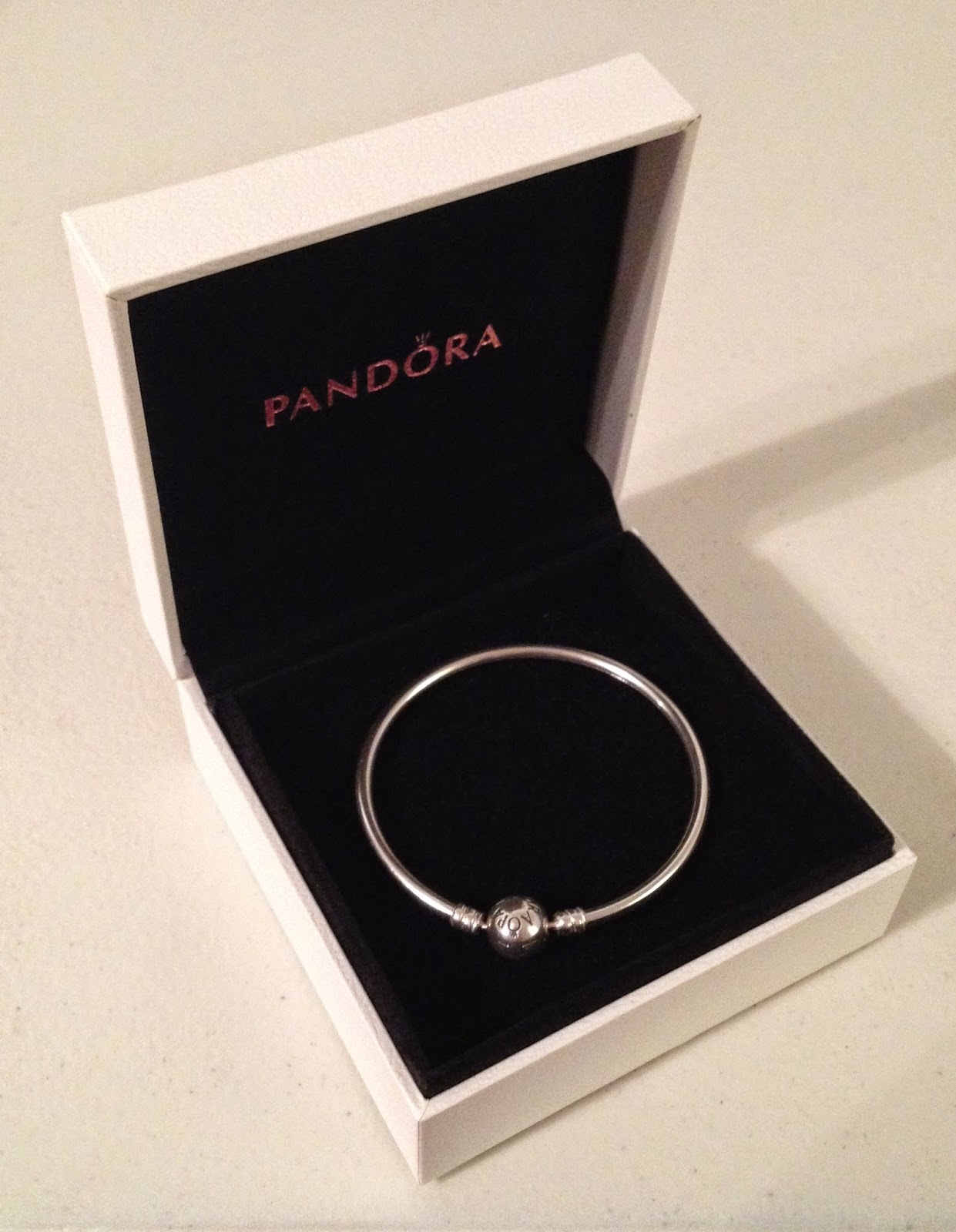 shipsfromus: PRE-ORDER: PANDORA 2015 Valentine's Collection