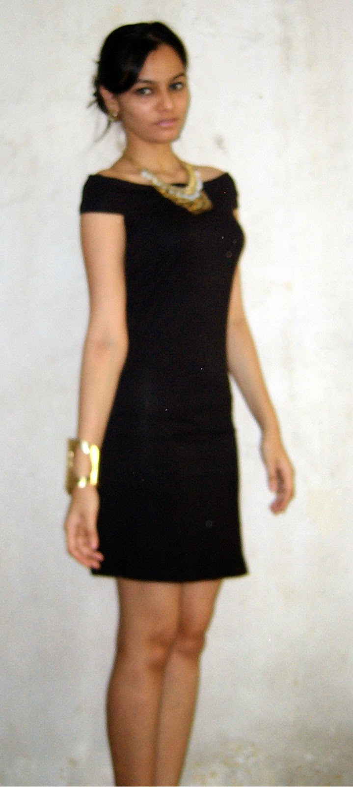 LBD, how to wear a little black dress, gold accessories, how to layer necklaces, gold cuff
