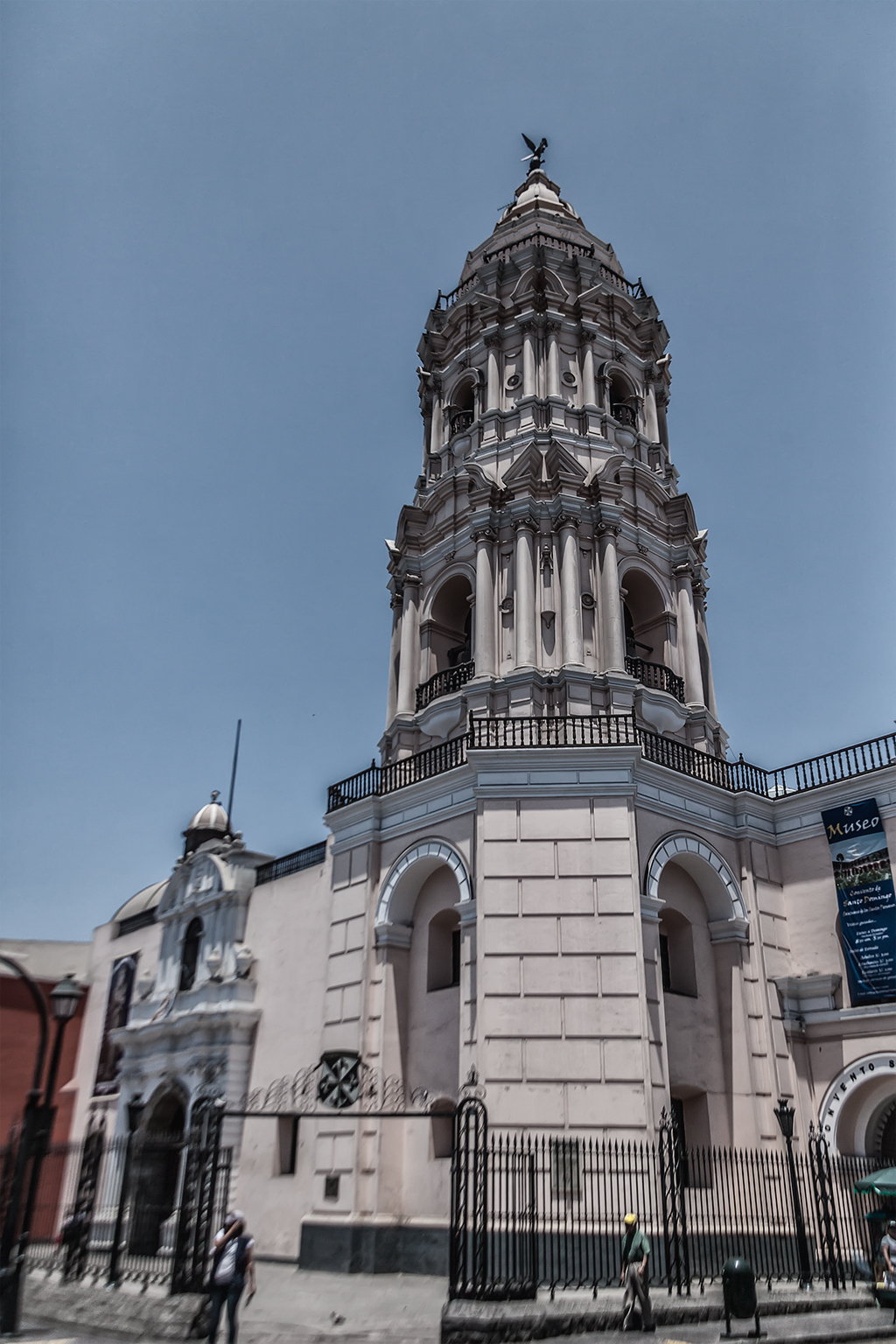 Torre de la Iglesia y Convento de Santo Domingo , Lima, Perú