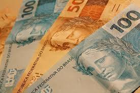 Salário mínimo no Brasil deveria ser 4 vezes maior