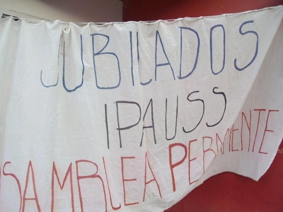 Jubilados piden renuncia directorio IPAUSS