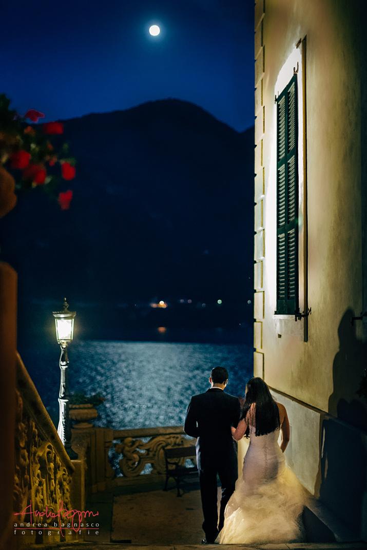 sposi con luna piena alla villa del Balbianello Tremezzo Lago di Como