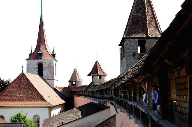 visiter Murten muraille rampart switzerland