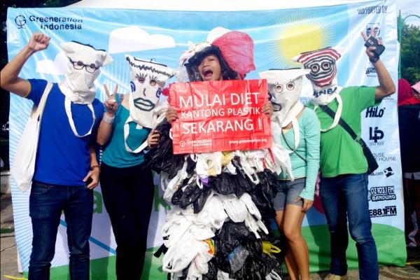 Akivis Aceh Kampanye Diet Kantong Plastik