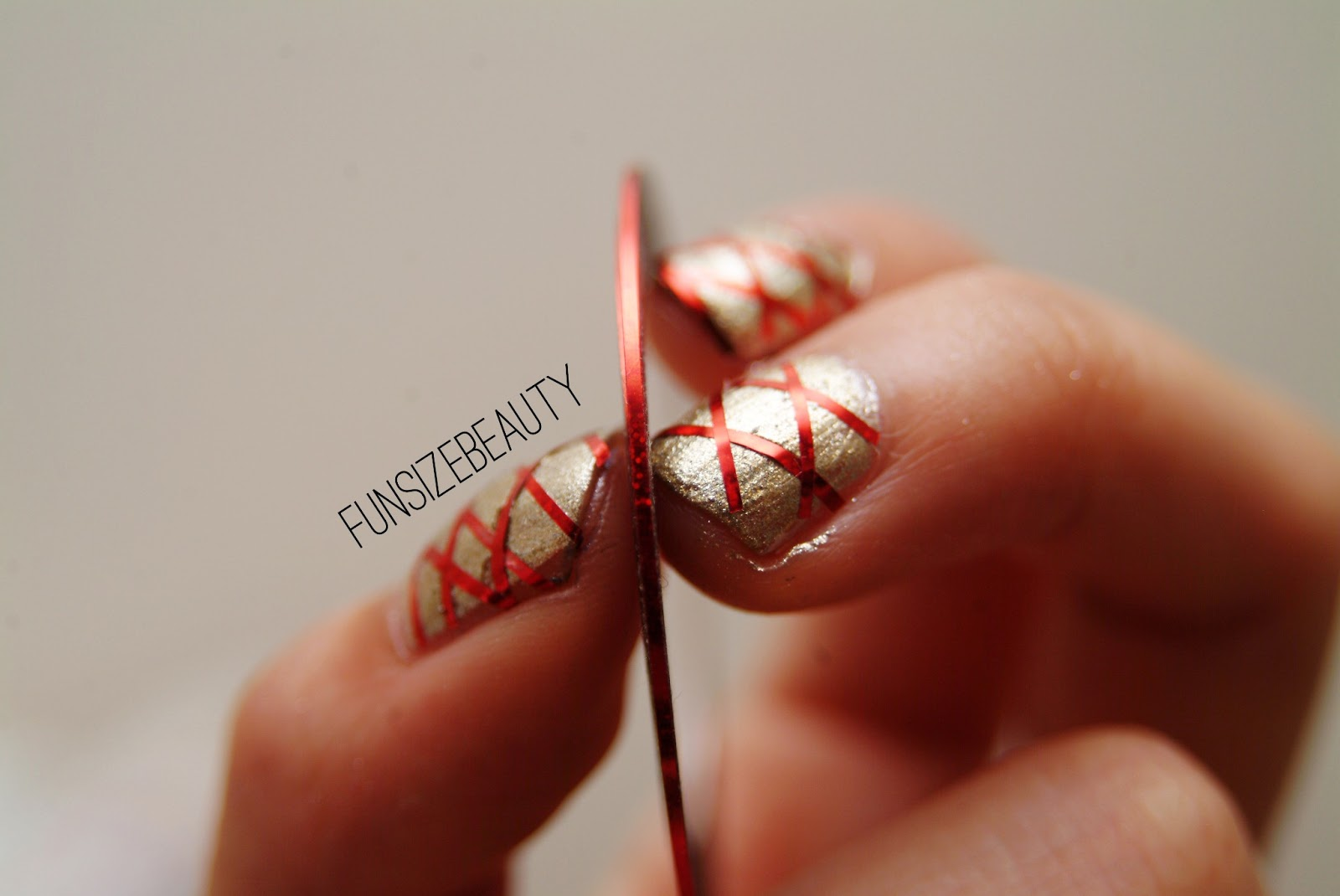 nail striping tape how to use