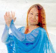 Cantautora japonesa en Sevilla.