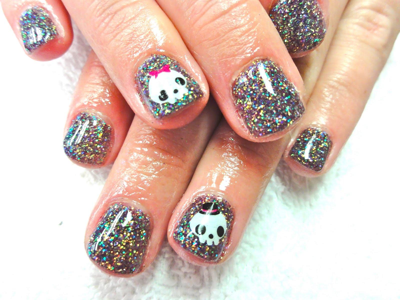 Glitter Shellac Skelaton nails. Super cute huh?