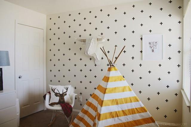 Diy efecto papel pintado con cruces en paredes gotel - Papel pintado en gotele ...