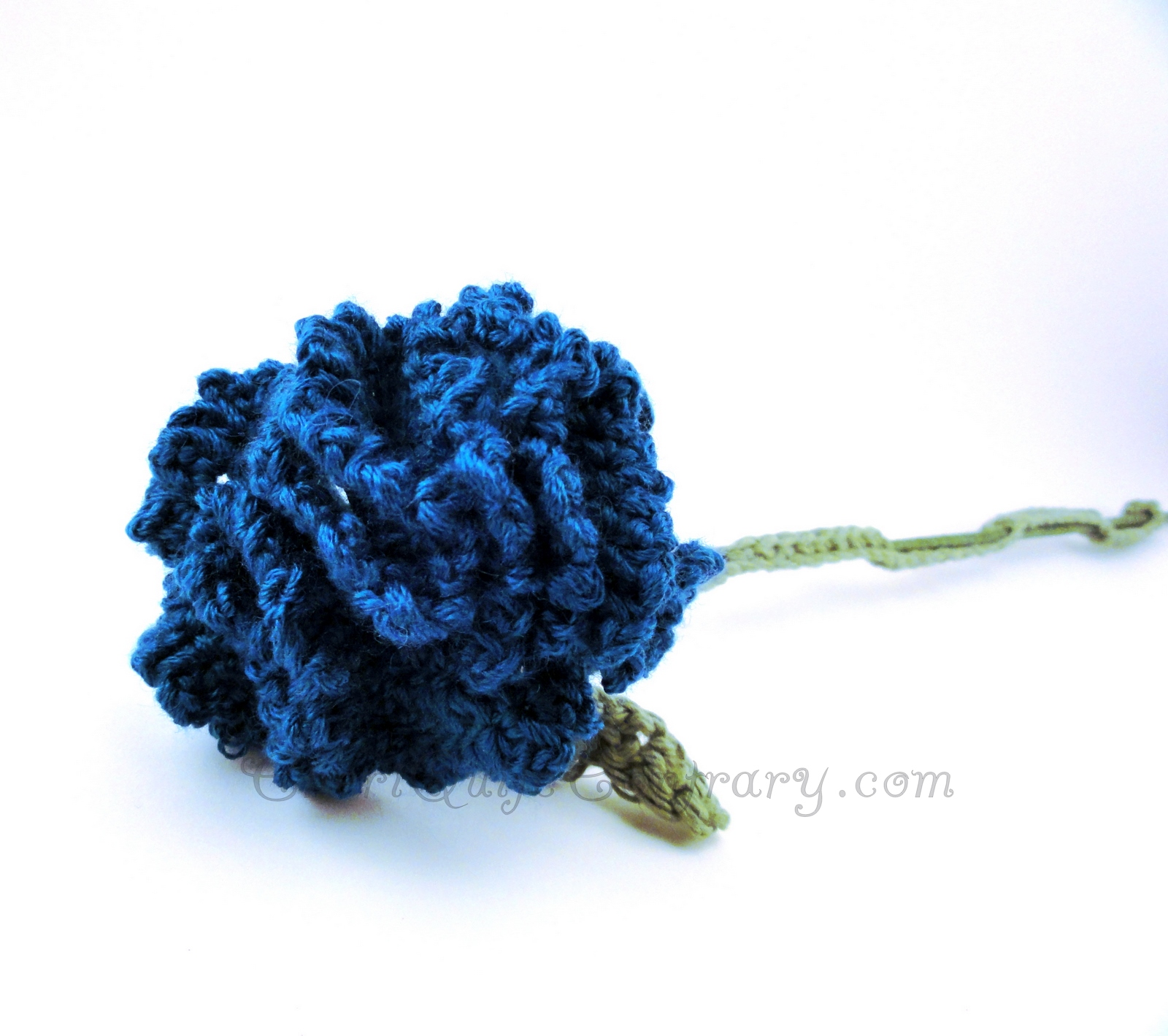 Cheri Quite Contrary: Crochet Carnation