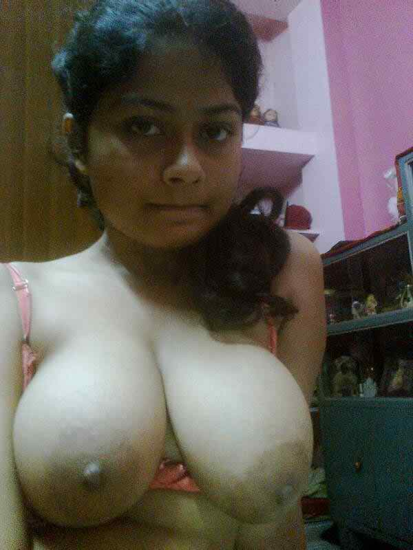 Pakistani girls having big boobs