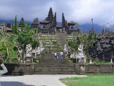 Holiday in Bali, Hindu temple, pray in Pura Besakih