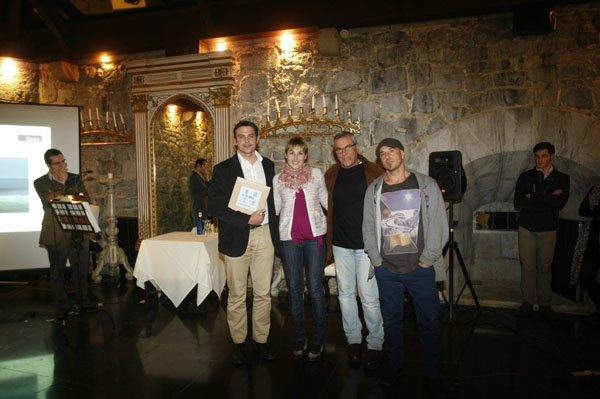 Hemendik de Busturialdea y Lea Artibai Mundakako Surf Taldea - Foto: Deia