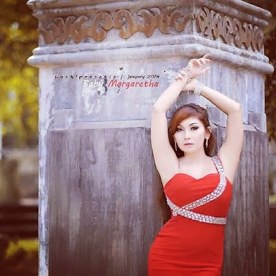 BABY MARGARETHA IN REDS DRESS