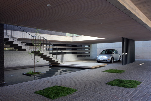 Top 5 modern garage designs luxury lifestyle design for Garage parking nice